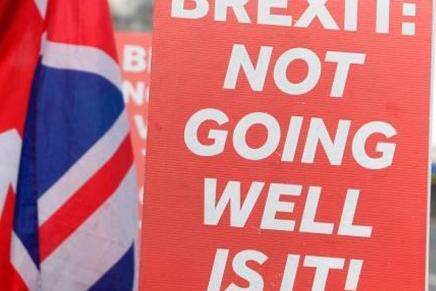 Top del día: Brexit sin solución aparente podría ocasionar que renuncie May esteviernes